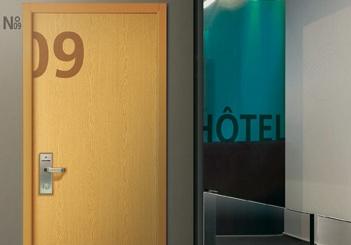 paliere hotel bois